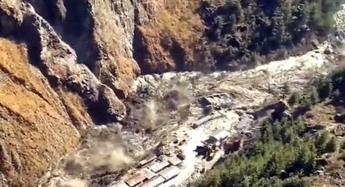 India: crollo ghiacciaio, sale a 200 numero dispersi