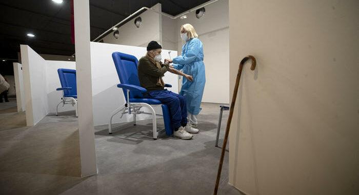 Lazio, 1 marzo al via vaccinazione 65enni da medici base