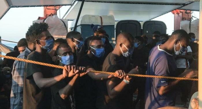 Migranti: Oim, 15 morti in naufragio Libia, 95 sopravvissuti