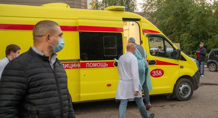 Morto medico russo che curò Navalny dopo l'avvelenamento