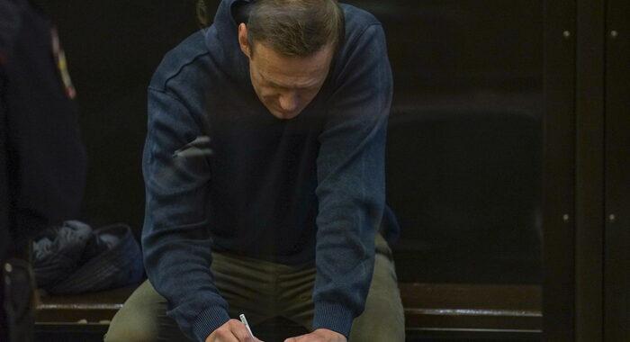 Navalny condannato a 3 anni e 5 mesi di carcere