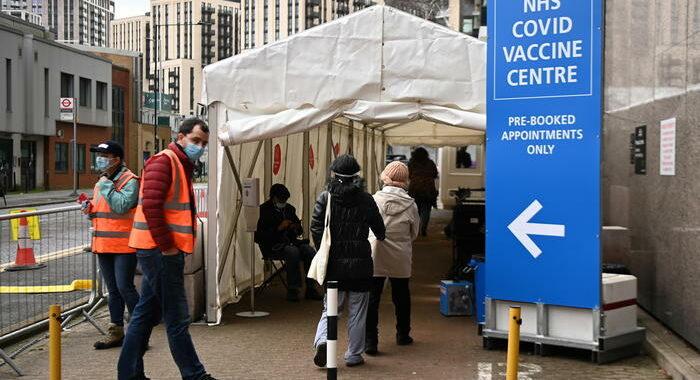Nel Regno Unito vaccinate oltre 20 milioni di persone