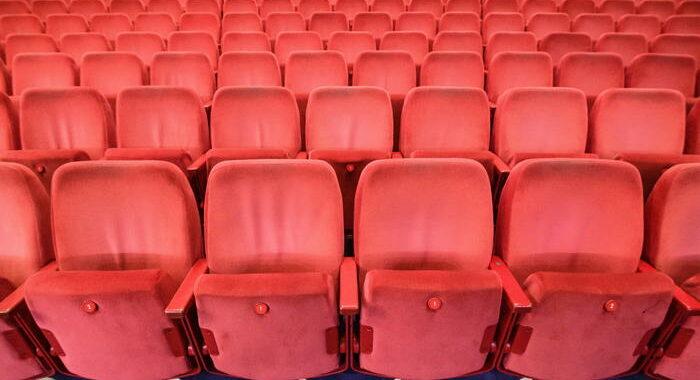 Cinema: Anec, ripartenza solo con allentamento misure