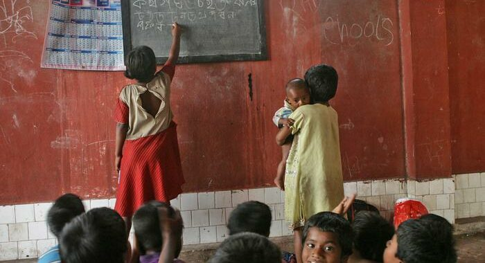 India: poemi induisti ad elementari, l'allarme dei musulmani