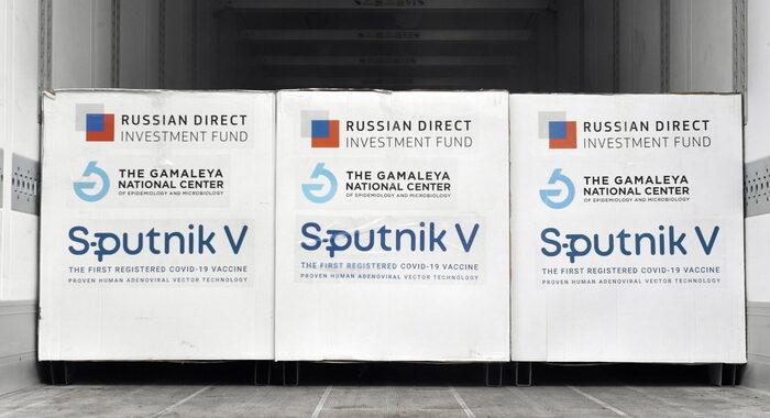 Wsj, 'campagna 007 russi contro vaccini Occidente'