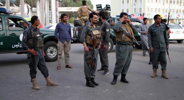 Afghanistan: autobomba nell'est, 'almeno 25 morti'