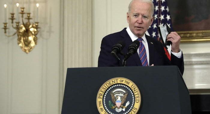 Biden, 'Papa ha ragione, vaccinarsi obbligo morale'