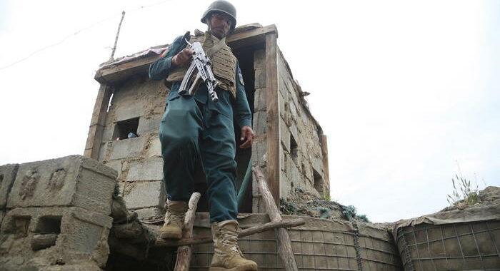 Conferenza pace Afghanistan posticipata a metà maggio