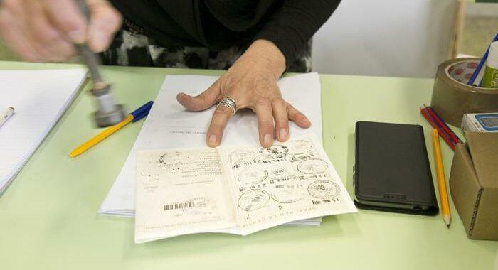 L.elettorale: Brescia (M5s) lancia pdl per voto a fuorisede