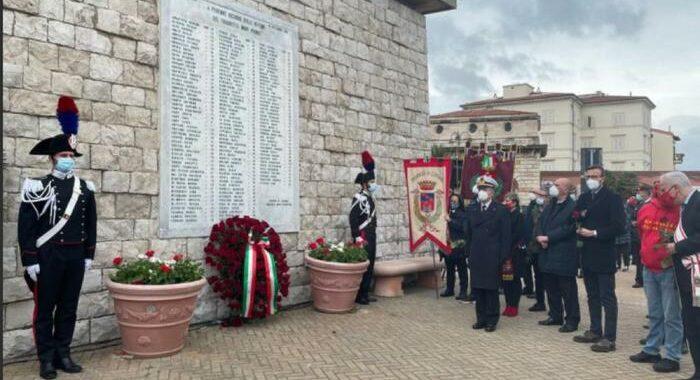 Moby Prince: corona di rose da Mattarella per le 140 vittime