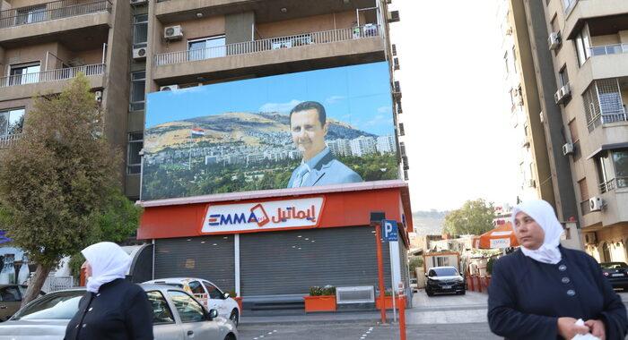 Siria: Sana, Assad formalmente candidato alle presidenziali