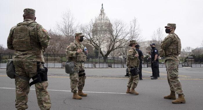 Usa:due agenti travolti da auto vicino Congresso, un arresto