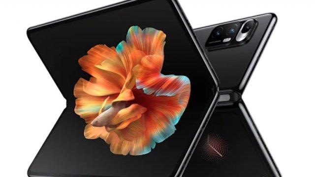 Xiaomi presenta Mi Mix Fold, il suo primo smartphone pieghevole
