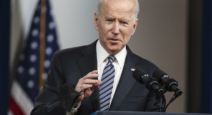 Biden, oleodotto torna operativo, benzina entro il weekend