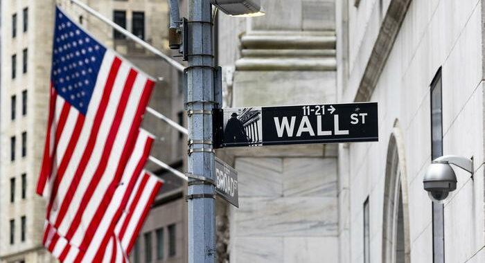 Borsa: Ny chiude con record, Dj +0,66%, S & P 500 +0,73%