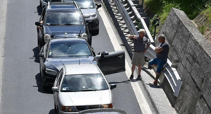 Cantieri autostrade: 14 km di coda tra Chiavari e Genova