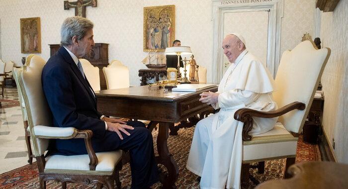 Clima: Kerry, la voce del Papa più importante che mai
