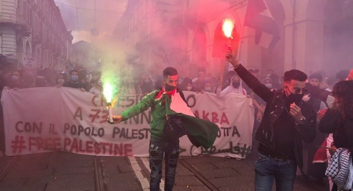 Gaza: corteo a Torino, in 3 mila sfilano pro Palestina