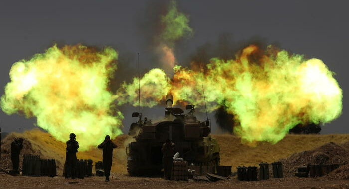 Gaza: ministero sanità, 65 morti e quasi 400 feriti
