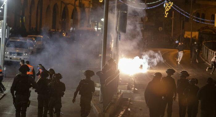 Gerusalemme: almeno 169 feriti negli scontri