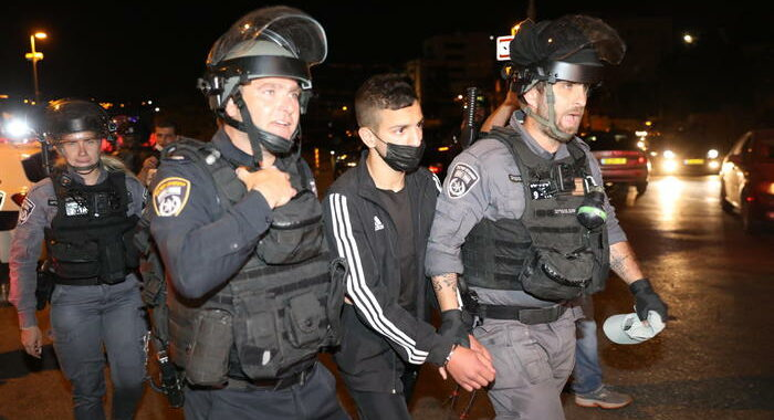 Gerusalemme: polizia allerta, alta tensione a Sheikh Jarrah