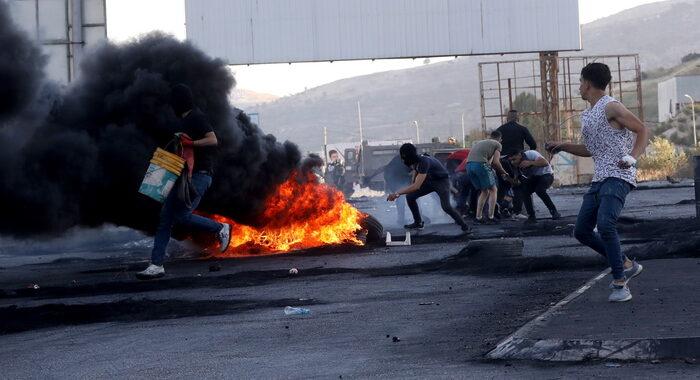 Gerusalemme:attacco a Sheikh Jarrah, auto contro israeliani