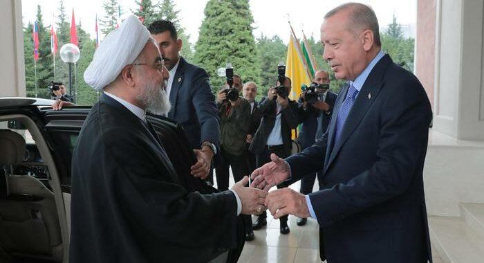 Iran e Turchia sollecitano misure comuni contro Israele