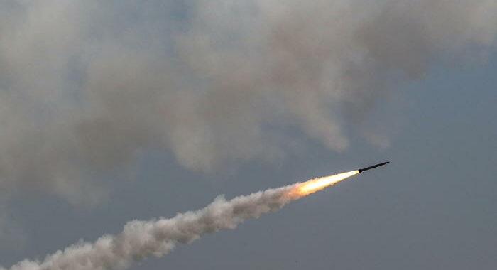 Israele, 1.600 i razzi lanciati finora da Gaza