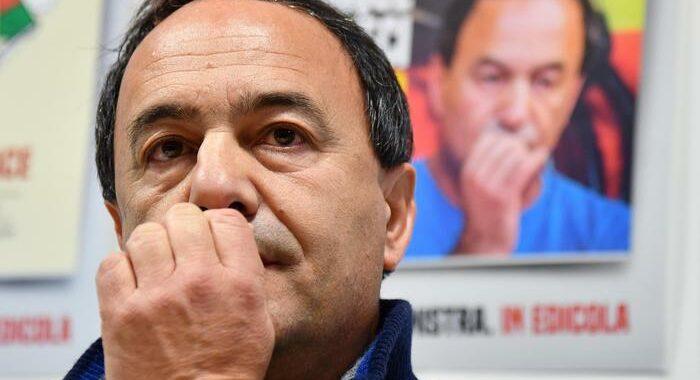 Riace: pm chiede condanna Lucano a 7 anni e 11 mesi
