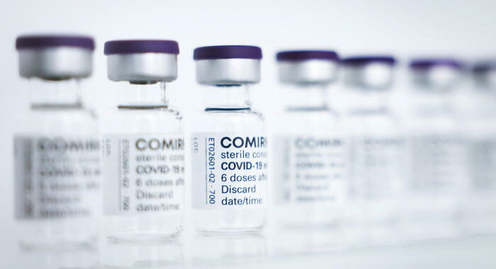 Usa, ok a vaccino Pfizer e BioNtech tra 12 e 15 anni