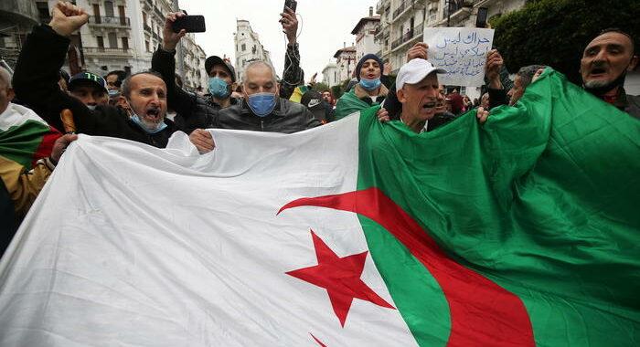 Algeria oggi alle urne per elezioni politiche