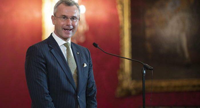 Austria: si dimette leader ultradestra Norbert Hofer