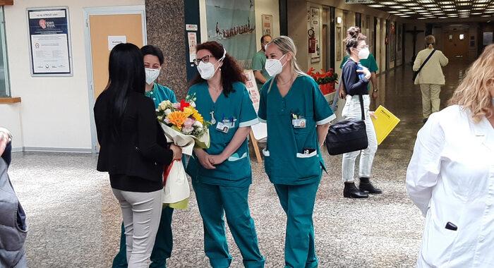 Covid: 1.390 positivi, 26 vittime contro le 52 di ieri
