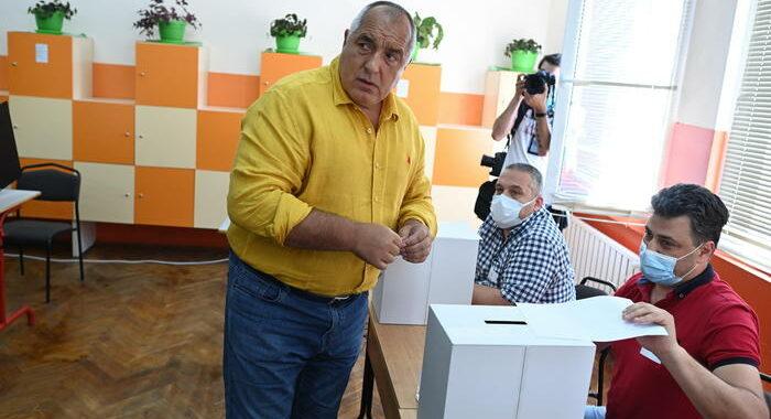 Bulgaria al voto, favoriti populisti dello showman Trifonov