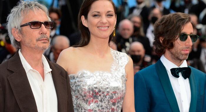Cannes: premio alla regia a Carax per Annette