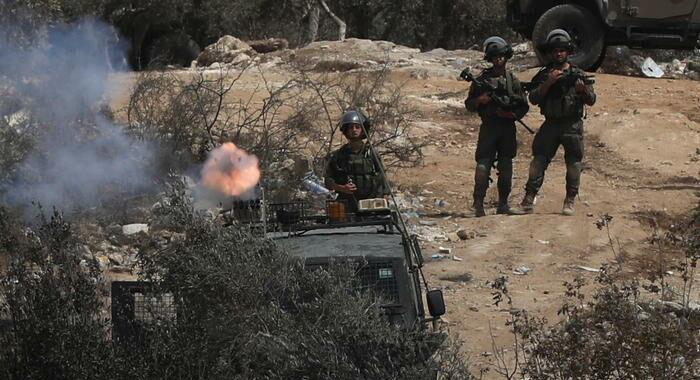 Cisgiordania: un 20enne palestinese ucciso dall'esercito