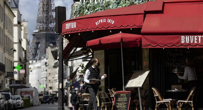 Covid: balzo dei contagi in Francia, oltre 12 mila in 24 ore
