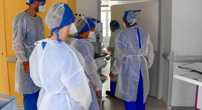 Covid: in Francia quasi 1000 i pazienti in rianimazione
