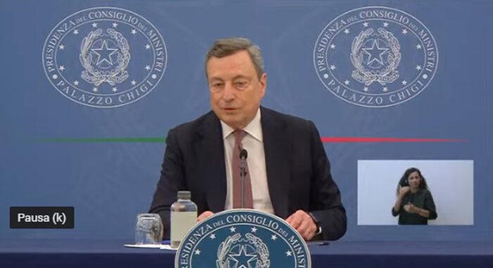 Draghi, non vaccinarsi equivale ad appello a morire