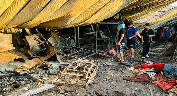 Iraq: esplosione in mercato Baghdad, almeno 18 vittime