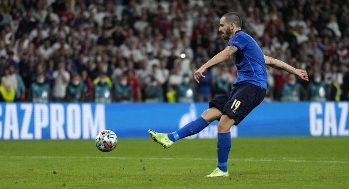 Italia campione d'Europa, Inghilterra battuta 4-3 ai rigori