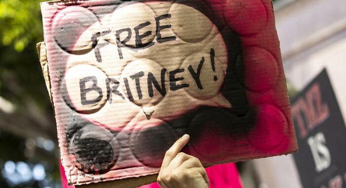 Madonna, tutela legale Britney Spears equivale a schiavitù