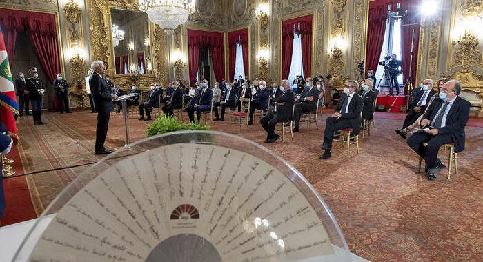 Mattarella, centrale protezione libertà e pluralismo media