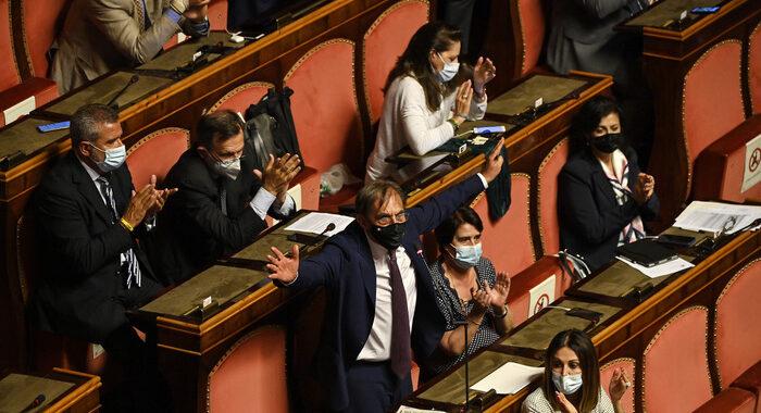 Sostegni bis: governo pone fiducia su dl al Senato