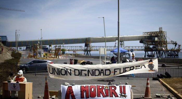 Cile: scioperano lavoratori più grande miniera rame al mondo
