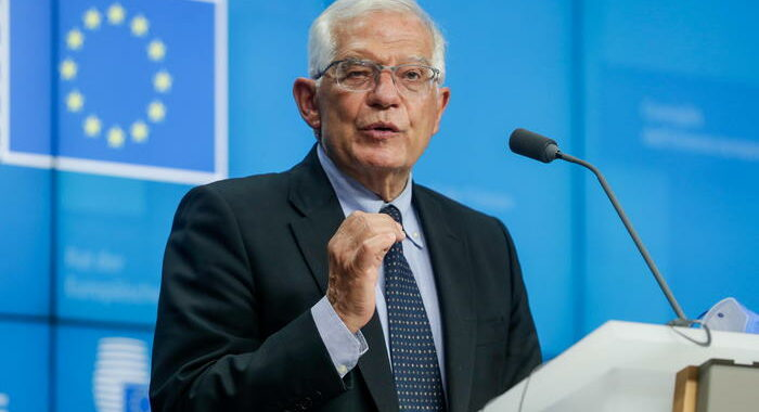 Afghanistan: Borrell, impegno condizionato con i talebani