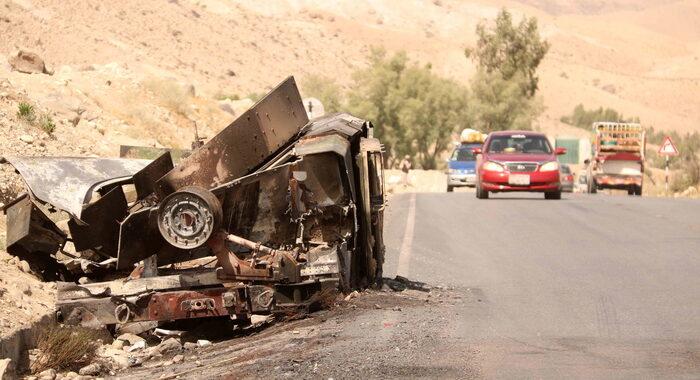 Afghanistan: diversi attentati a Jalalabad, almeno 2 morti