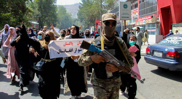 Almeno 20 civili uccisi dai talebani in valle Panshir