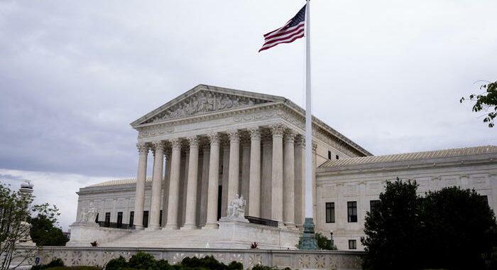 Biden, decisione Corte Suprema è attacco ai diritti donne