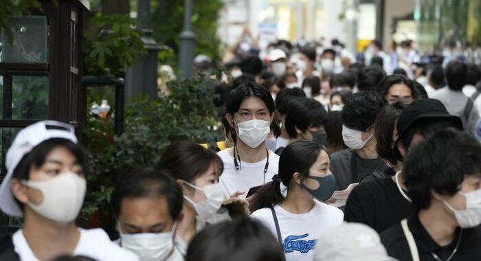 Covid, emergenza a Tokyo e dintorni fino a fine settembre